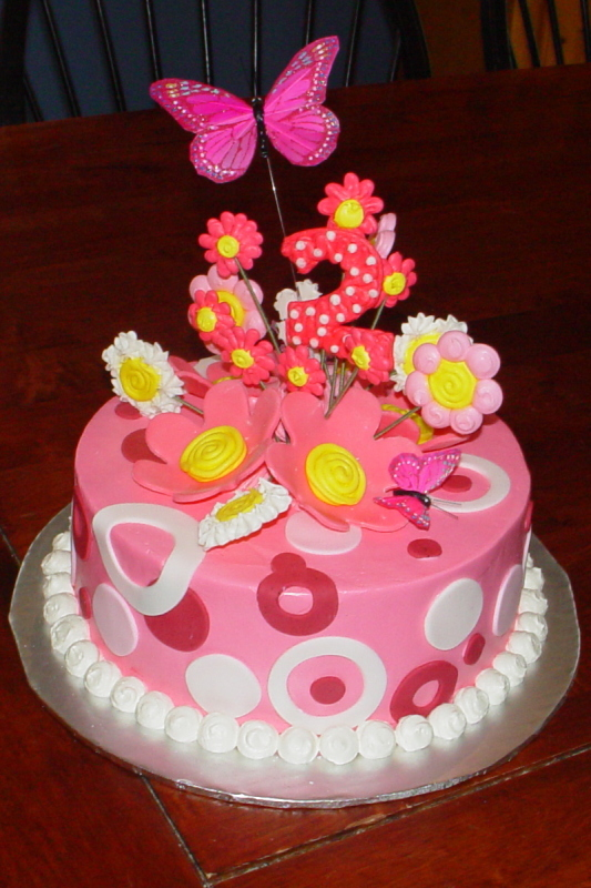 Tradional Cakes Include Any Cake Design Ranging From Special Occasion To Birthday That Do Not Incorporate 3D Carved Aspects